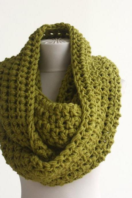 Green infinity scarf Oversized scarf crochet cowl scarf green chunky scarf winter scarves for women crochet infinity scarf gift idea for her